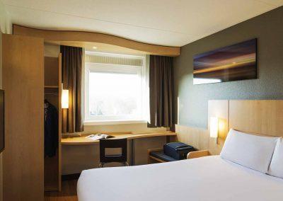 Hotel-Ibis-Utrecht-Dubbel-Ruimte-TV