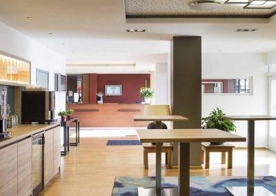 Hotel-Ibis-Utrecht-Meetingfoyer-ZichtnaarRezeptie